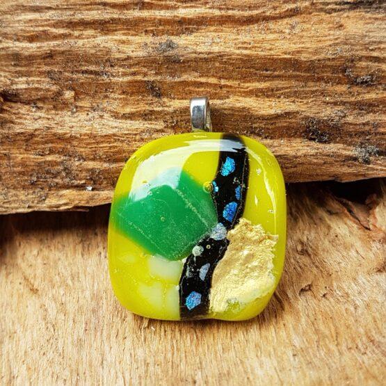 glas-sieraden-hanger-geel