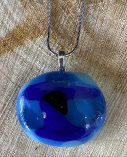 glas sieraden blauw tinten