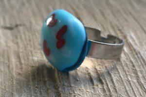 Friesland glas sieraden ring lichtblauw